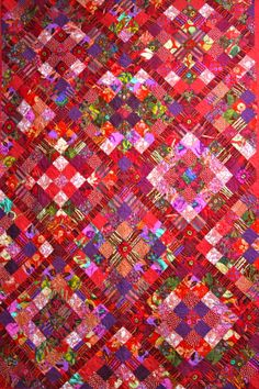 Love this Red Quilt! Kaffe Fasset fabrics! <3                                                                                                                                                      More