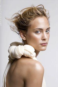 Natural makeup look - Nora Arnezeder #truebeauty