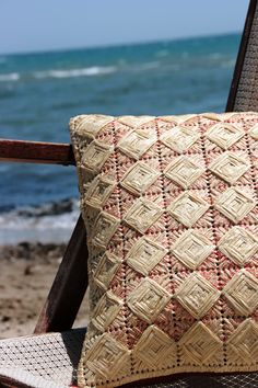 A summer pillow story by the sea!