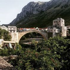 WEBSTA @ kayihaninsta - #mostar #starimost  #bosnahersek #igers #igersmy #instamoment #editoftheday #beautifullandscape #architecture #webstagram #instagramers #instadaily #picoftheday #loveit #photogrid  #fotografdukkanim #follow #follow4follow #followme #selfie #food #girl #perspective #benimkadrajim #mostarbridge #objektifimden #mostarköprüsü