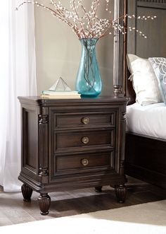 Jessa 3 Drawer Night Stand | Broyhill | Home Gallery Stores