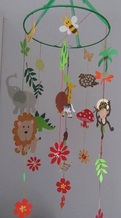 Handmade multicolored mobile suspension for children on the theme of the jungle . Jungle Activities, Mobiles, Theme Nature, Le Zoo, Pirate Theme, Jungle Theme, Zoo Animals, Zebras, Art Education