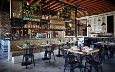 オーストラリア・シドニーに位置するカフェ、The Grounds of Alexandriaは、地元の人々に愛される、緑いっぱいのガーデンが特徴のコーヒーハウスです。 元々は1900年代に建てられた、パイ工場の建物をイ …