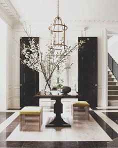 Join the ICAA for an evening with Thomas Pheasant. From his recent interiors at Blair House to a modern New York penthouse, Thomas Pheasant shares… read Foyer Design, Design Entrée, House Design, Design Ideas, Entrance Design, Hall Design, Staircase Design, Interior Design Process, Salon Interior Design