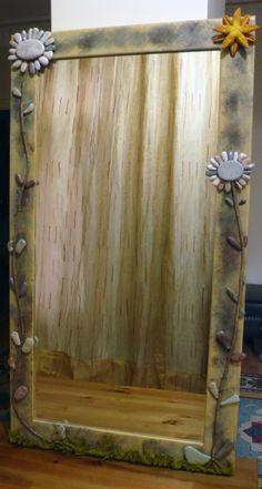 Taş,ağaç dalları ve deniz dallarından ayna tasarımı