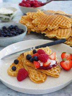 Lettvinte vafler #vafler #waffles #vaffelkos #vaffel #wafflerecipes #vaffeloppskrifter #oppskrifter