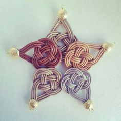 Star-shaped celtic knot work