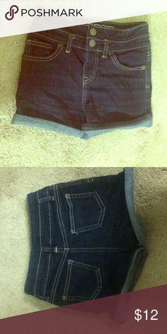 Girls denim shorts 6/6X Perfect condition girls high rise shorts Cherokee Bottoms Shorts