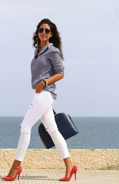 20 ways to wear white jeans for an unmistakably stylish look . - 20 ways to wear white jeans for an unmistakably stylish look Effektive Bilder, die wir über baby i - Business Casual Outfits, Classy Outfits, Chic Outfits, Spring Outfits, Fashion Outfits, Womens Fashion, Fashion Trends, Jeans Fashion, Fashion Ideas