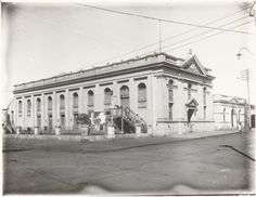BA1271/345: Geraldton Town Hall, ca 1920 http://encore.slwa.wa.gov.au/iii/encore/record/C__Rb2109068?lang=eng