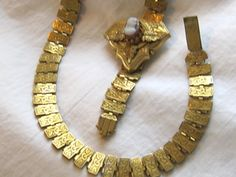 What to Look for when Identifying Antique Jewelry