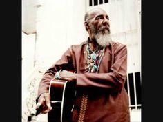 Richie Havens, a Brooklyn-born folk singer whose husky voice, open-tuned guitar… Folk Music, My Music, Music Clips, Richie Havens, Woodstock Music, Joan Baez, Popular Music, What Goes On, Concert