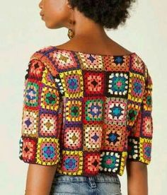 "Blusa croche Farm ""I want to make this granny square top! Pull Crochet, Mode Crochet, Knit Crochet, Crochet Jacket, Crochet Cardigan, Crochet Squares, Crochet Granny, Granny Squares, Crochet Designs"