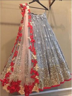 Find trending grey lehenga designs for brides and bridesmaids. Stunning grey and silver-coloured lehenga images for this wedding season must check out. Lehenga Choli Designs, Indian Wedding Outfits, Indian Outfits, Eid Outfits, Indian Weddings, Bridal Lehenga, Red Lehenga, Lehenga Dupatta, Pakistani Dresses
