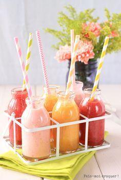 Smoothie aux fruits d'été pastèques groseille framboise/fraises coco citron/ nectarine orange