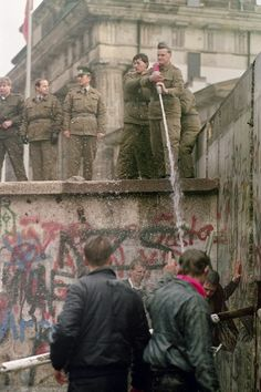 42 Inspiring Pictures From The Fall Of The Berlin Wall East Germany, Berlin Germany, European History, World History, Fall Of Berlin Wall, Ddr Brd, Berlin Hauptstadt, Cold War, Germany