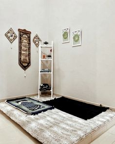 30 Praying Room Ideas To Bring Your Ramadan More Beautiful Home Room Design, Home Interior Design, House Design, Ramadan, Prayer Corner, Beautiful Home Designs, Beautiful Beautiful, House Beautiful, Islamic Decor