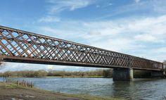 Pont de Segré railroad, Angers, France