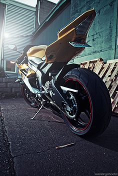 Yamahaha R6 in KR colors. #motorcycle Helmetcity.com