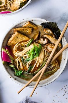 Vegan Ramen With Miso Shiitake Broth-An Easy Healthy Ramen With Mushrooms, Tofu, Bok Choy And Scallions. Also A Simple Tip To Making This Creamy. Healthy Ramen, Vegetarian Ramen, Healthy Asian Recipes, Ramen Recipes, Vegan Soups, Vegetarian Recipes Dinner, Vegan Dishes, Vegan Recipes, Vegan Food