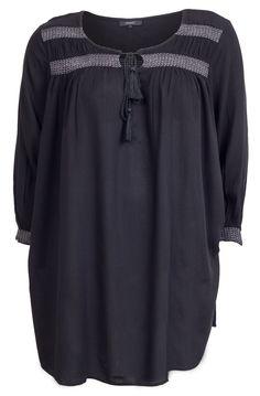 Lækre Skøn bluse med smock syninger på bærestykket og ærmerne Zhenzi Modetøj til Damer til hverdag og fest