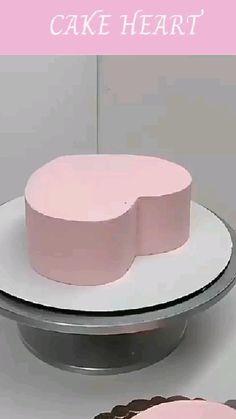 Cake Decorating Frosting, Cake Decorating Designs, Cake Decorating Videos, Birthday Cake Decorating, Cake Decorating Techniques, Baking Cupcakes, Cupcake Cakes, Simple Cake Designs, Elegant Birthday Cakes