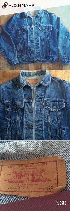 Vintage Levis Red Tab Denim Jean Jacket•Sz 42 Vintage Levi's Denim Jean Jacket•Red Tab•Size Tag Reads 42B•Style is 70506-0216• Levi's Jackets & Coats Lightweight & Shirt Jackets