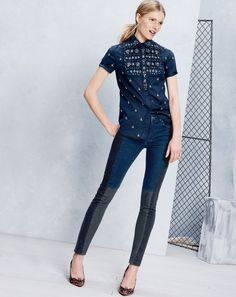 OCT Style Guide: J.Crew Collection Thomas Mason® for J.Crew jeweled bib shirt in royal oxford. Casual Fall Outfits, Cool Outfits, Fond Studio Photo, October Fashion, Comfortable Outfits, Online Shopping Clothes, Everyday Outfits, Denim Fashion, Minimalist Fashion