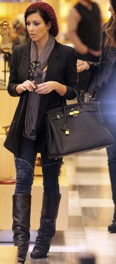 That outfit!!! Beanie, blazer, boots, her Hermes bag! All of it! bag, сумки модные брендовые, bags lovers, http://bags-lovers.livejournal