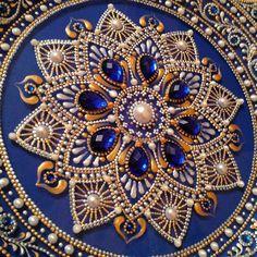 """... Detalhes ... acabados))), a cor de fundo é distorcida, é azul-violáceo, mas realmente queria mostrar brilho """"sapfiriki"""" ...."""