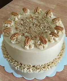 Discover thousands of images about Pecan cheesecake Creative Cake Decorating, Cake Decorating Videos, Birthday Cake Decorating, Cake Decorating Techniques, Creative Cakes, Pretty Birthday Cakes, Pretty Cakes, Pecan Pie Cake, Pecan Cheesecake