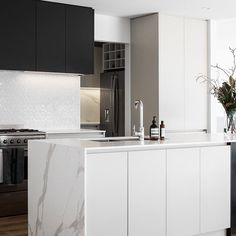 Gourlay Kitchen / Projects / Polytec Stunning modern kitchen with Xenolith benchtop in Calacutta D'oro - a perfect imitation of real marble in a solid laminate surface. Kitchen Views, Modern Kitchen Design, Joinery, Kitchen Dining, Marble, Surface, Interior Design, Projects, Home Decor