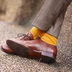 Serious and important research inquiry: do you own any yellow socks?  If not might be time to rethink your sock procurement strategy.  Or maybe I just like these yellow socks a little too much... Trousers @oliverwicks  Socks (Viccel) Shoes @shoepassioncom  Photo by @erinmcgoff