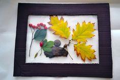 Rám vyrobíte z kartónov, namaľujete akrylovou farbou a necháte uschnúť. Do rámov môžete dať rôzne kvety ako púpavu, levanduľu, trávu, konáriky. Ako prvá vrstva pôjde potravinárska fólia, ktorú z druhej strany prilepíte k rámu, mala by byť poriadne natiahnutá. Potom … Continue reading →