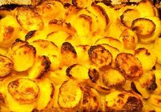 Jäätävän herkullinen ja superrapea perunalisäke Potato Recipes, Side Dishes, Recipies, Food And Drink, Healthy Recipes, Healthy Food, Vegetarian, Yummy Food, Favorite Recipes
