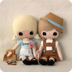Casal de mini bonecos - hansel and gretel by Gingermelon, via Flickr