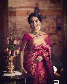 New south indian bridal saree lehenga choli Ideas Kerala Wedding Saree, Indian Bridal Sarees, Kerala Bride, Bridal Silk Saree, Kanchipuram Saree Wedding, Kerala Saree, Wedding Sarees, South Indian Bride Saree, Bollywood Wedding