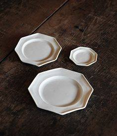 katazara octagon-Design by Osamu Saruyama, Ceramics by Shiro Hamanaka Kitchenware, Tableware, Japanese Ceramics, Kitchen Equipment, Shiro, Cake Pans, Baking Pans, Little Things, Kitchen Dining