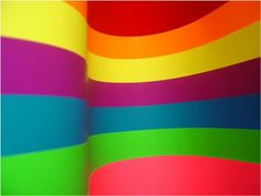 I COLORI DELLA TUA IMMAGINE:scopri quali sono♦♦ I colori che scegliamo per i nostri vestiti non sono casuali ma dipendono dallo stato d'animo del giorno o del periodo. La scelta di un colore o di una sequenza di colori mostra lo stato interno di una persona: le emozioni,il momento che sta attraversando e la sua personalità di base e le potenzialita' da sviluppare.QUIZ :cosa sai del colore?