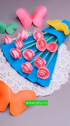 origami Paper Flowers Craft, Paper Crafts Origami, Paper Crafts For Kids, Flower Crafts, Preschool Crafts, Diy Paper, Simple Paper Crafts, Classroom Crafts, Paper Gifts