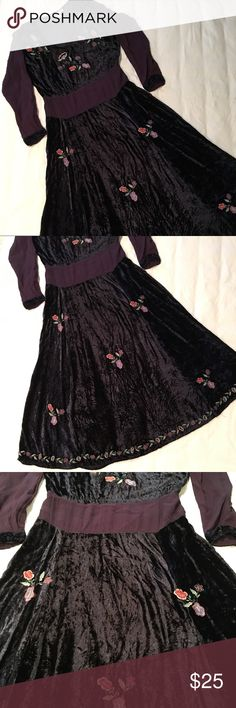 Vintage Embroidered Floral, Blue Velvet Dress 🎄Beautiful, vintage holiday dress.🎄Navy blue crushed velvet bodice and skirt with contrast purple fabric on the long sleeves and around the waist. Velvet ties in the back and velvet trim on the sleeves. Papillon Dresses Long Sleeve