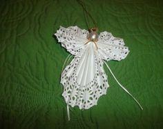 Lacy papel servilleta Angel adorno
