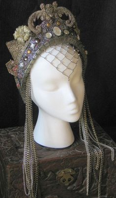 Fantasy Hand Made beaded embroidered Medieval Queen Princess Fairy Renaissance Belly Dance headpiece Crown Hat Foto Fantasy, Maquillage Halloween, Fantasy Costumes, Circlet, Tiaras And Crowns, Crown Jewels, Bandeau, Headgear, Headdress