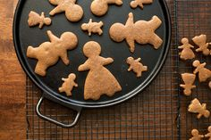 7 Scrumptious Christmas Cookie Cut-Outs to Make This Season Organic Raw Honey, Organic Maple Syrup, Ginger Bread Cookies Recipe, Cookie Recipes, Gingerbread Cookies, Christmas Cookies, Hungarian Recipes, Hungarian Food, Healthy Sweet Treats