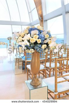 Beautiful flower wedding decoration in a glass building