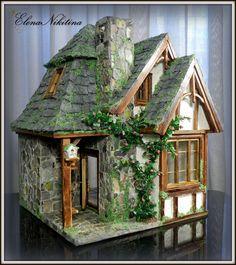 The magical Dollhouse. Haunted Dollhouse, Dollhouse Miniatures, Miniature Houses, Miniature Dolls, Storybook Cottage, Mushroom House, Halloween Village, Fairy Doors, Building Exterior
