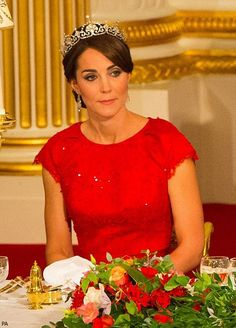 Duchess Kate: The Duchess Dazzles in Papyrus Tiara and Red Jenny Packham Gown for State Banquet