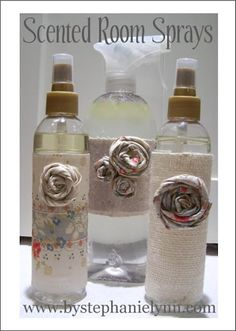 Scents can really change our attitude. Here is a DIY room spray - To make, simply mix: 4 ounces of Distilled Water 2 ounces of Witch Hazel and 1 tablespoon of Scented Oil,make a few for different moods (great to give as teachers gifts, etc. Homemade Cleaning Products, Natural Cleaning Products, Diy Products, Face Products, Cleaning Recipes, Cleaning Tips, Cleaning Supplies, Diy Scent Room, Room Scents