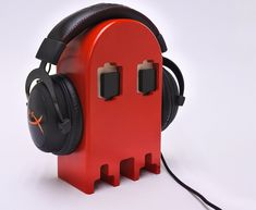 Wooden headphone stand, Retro game Ghost, Perfect gift for a gamer by BalticPrime on Etsy Headphone Storage, Headphone Holder, Diy Headphone Stand, Headset Holder, Red Ghost, Gaming Headphones, Small Wood Projects, Classic Video Games, Gamer Room