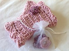 Lovely gift idea for friends - set of Buglets wrist warmers and necklace in purple pink. Friends Set, Crochet Gloves, Wrist Warmers, Organic Cotton, Socks, Purple, Winter, Gifts, Diy